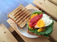 烤甜椒太陽蛋三明治 / 蛋素