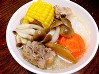 [快鍋]玉米蘿蔔排骨湯