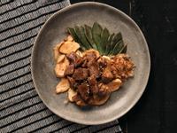 石蓮花熱炒骰子牛肉