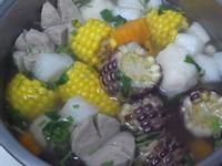 『烹大師料理賞』蘿蔔貢丸玉米湯