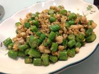 【簡易食譜】蒜香長豆炒肉末