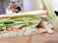 蛋沙拉蔬菜三明治
