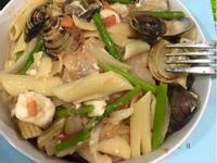 筆管海鮮麵