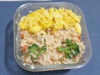 【便當】簡易版奶油鮭魚時蔬燉飯