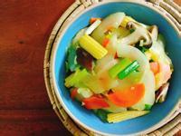 蒜味鮮蔬煨大黃瓜一超簡單