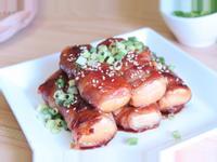 蜂蜜蔥燒豬肉豆腐捲~蜂蜜入菜鹹甜好滋味