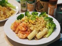 咖哩海鮮炒泡麵