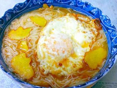 10分鐘早餐~麻油雞蛋麵線~