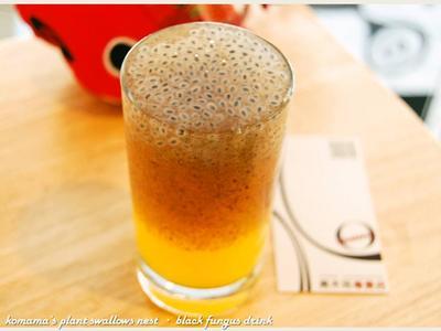 黑木耳媽魯果橙汁.柯媽媽の植物燕窩