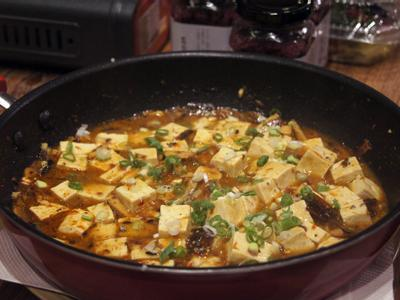 秋刀魚一夜干燒老豆腐