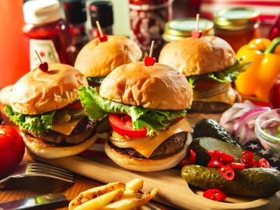 碳烤牛肉起司漢堡