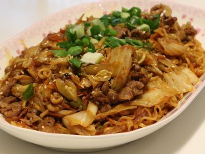 炒辛拉泡麵