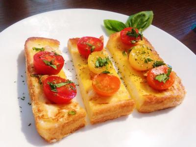 8鐘元氣早餐--奶油蒜香番茄法式吐司