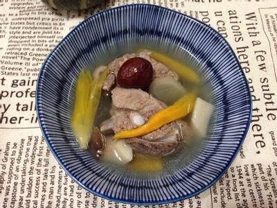 紅棗金針排骨湯