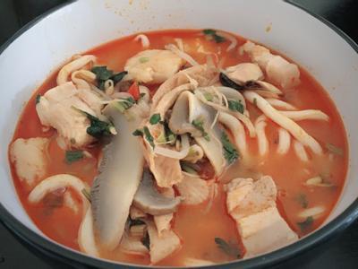 泰式酸辣海鮮豬肉麵 🇹🇭