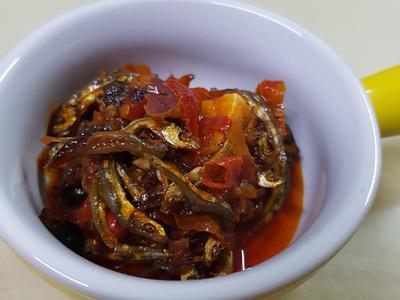 辣椒小魚乾٩(๑^o^๑)۶
