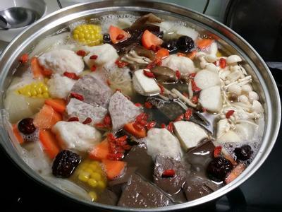 昆布柴魚養生牛肉鍋♡