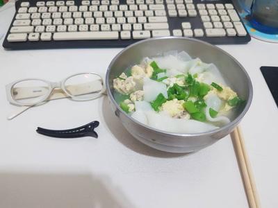 【慵懶小廚】家常湯粄條