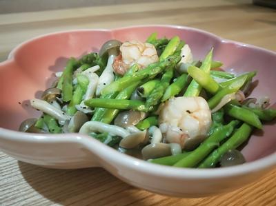 蒜香奶油鮮蝦蘆筍