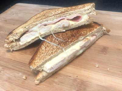 7分鐘 起司雞胸肉三明治