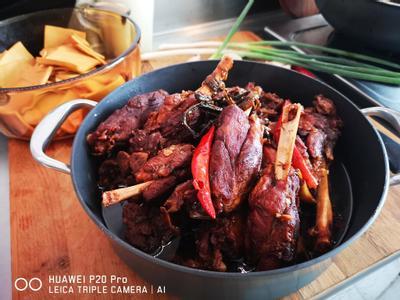 紅燒帶骨豬腱肉