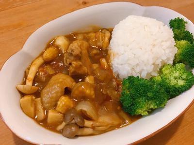無水咖哩:番茄菇菇雞肉咖哩