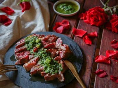 在家浪漫約會-西式香草青醬佐牛排