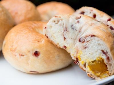 莓果南瓜乳酪貝果
