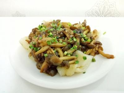 蒜茸鮮菇燴鱈魚<好菇道營養料理>