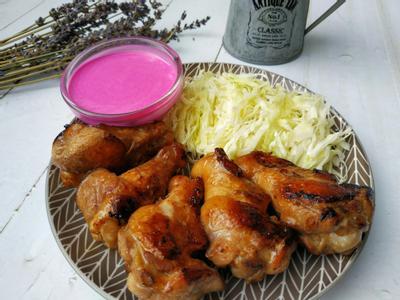 香煎小雞腿佐火龍果沙拉醬《桂冠沙拉》