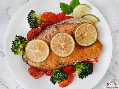 檸檬香草紙包鮭魚~烤箱簡易低醣菜