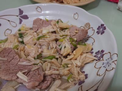 [減醣好好吃]金針菇炒豬肉片