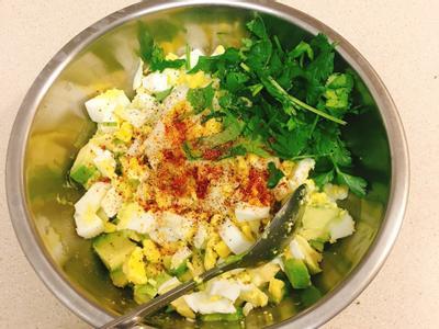 酪梨雞蛋沙拉-健康美味滿分的早餐