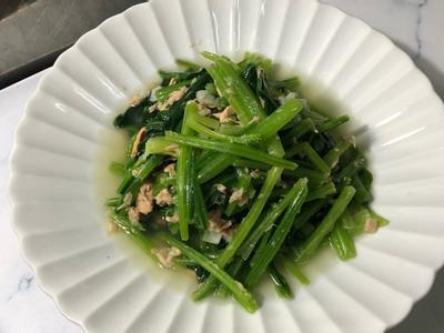 三明治鮪魚炒菠菜