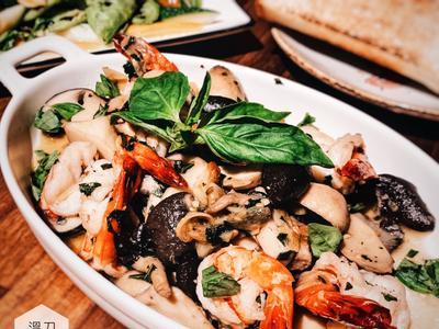 蒜味橄欖油炒鮮蝦菌菇