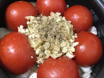 懶人電鍋料理-蒜香番茄海鮮燉飯佐鷹嘴豆