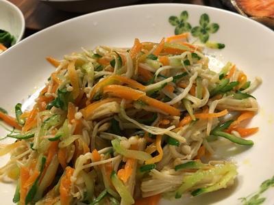 小黃瓜拌炒金針菇