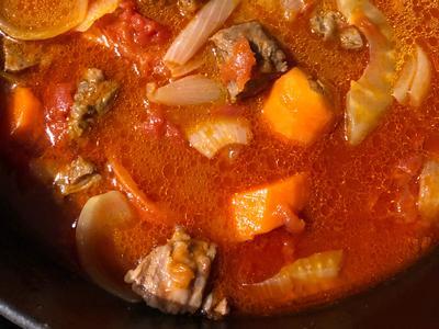 番茄燉牛肉(鑄鐵鍋)