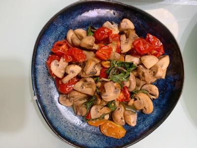 烤小番茄炒蘑菇