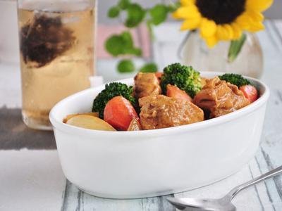 奶油咖哩燉蔬果雞