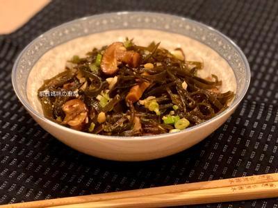【快速料理】蒜炒香菇與海帶🎶