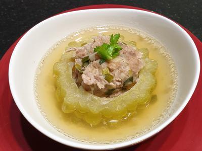 <家常菜>夏天清爽可口的「燉苦瓜封肉湯」的照片
