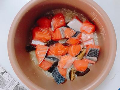 香菇鮭魚炊飯