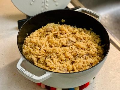 鑄鐵鍋麻油雞燉飯