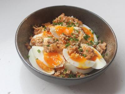 涼拌半熟蛋