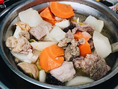 紅白蘿蔔尬牛肉