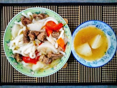 清燉番茄蘿蔔牛肉麵