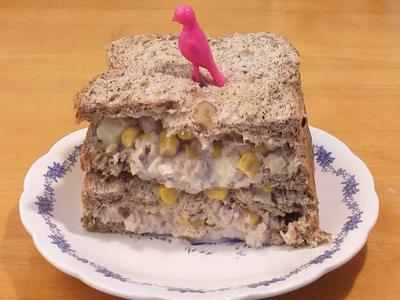 鮪魚蘋果玉米三明治