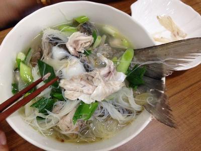 家常菜-蒜苗海鮮烏魚米粉湯