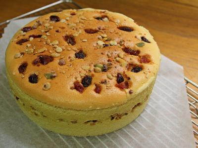 ※出爐前可用細竹籤插入, 若無任何沾黏即代表蛋糕即完成